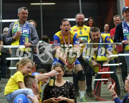 Volleyball Bundesliga Herren. DenitBank AG Volley League Men. SK Posojilnica Aich/Dob gegen SG Union Raiffeisen Waldviertel. Jubel  Nejc Pusnik (Meister Aich/Dob). Bleiburg, am 15.4.2018. Foto: Kuess --- pressefotos, pressefotografie, kuess, qs, qspictures, sport, bild, bilder, bilddatenbank